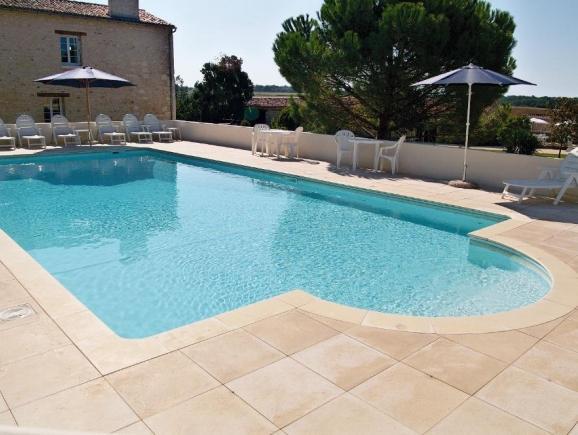 Matisse   Cottage Holiday Rental, In St Hilaire De Villefranche, Charente  Maritime, France