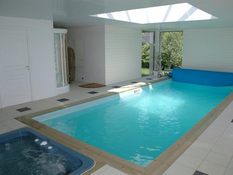 Private, Heated Indoor Pool And Hot Tub. (2 / 29)