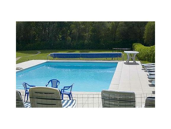 Superb Private Heated Swimming Pool (2 / 28)